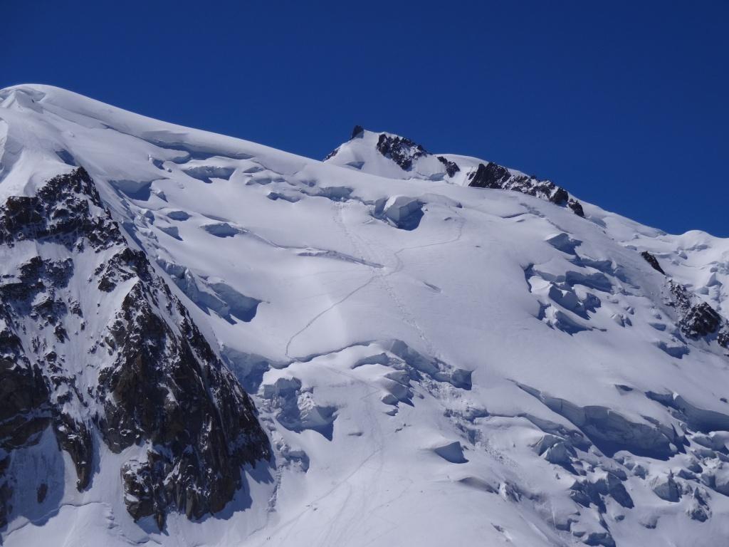 Mont Maudit: repérage de la descente, voie normale du Tacul bien tracée
