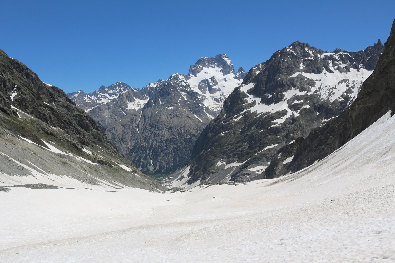 Vers l'aval depuis le tiers supérieur du vallon du Chardon