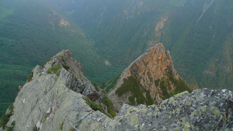 Arribant al cim, amb la Main i la Tallant al  fons