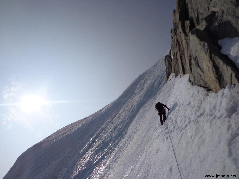 Sortie par la gauche: superbe mur de glace