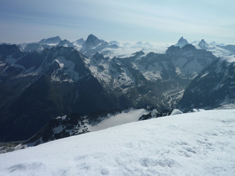 Vue du sommet sur les 4'000, Bishorn, Weisshorn, Dent Blanche, Cervin, Dent d'Herens