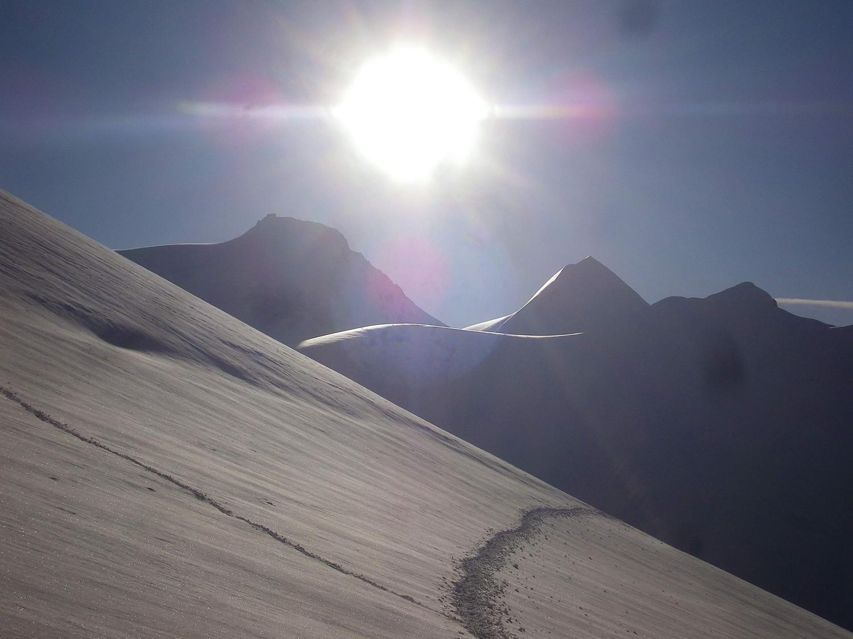 Passo d'El Naso (en venant du Refuge Sella et en allant vers le Col du Lys) : jonction de la trace de montée à gauche au sommet 4272m)