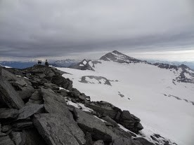 Au sommet, vue sur le Monte Leone