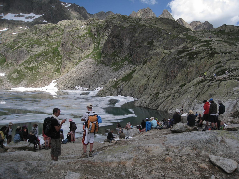 Belvedere - la descente, la foule au Lac Blanc