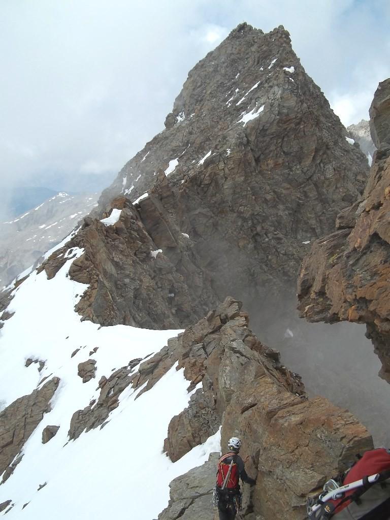 Après le sommet central, vue sur le sommet principal
