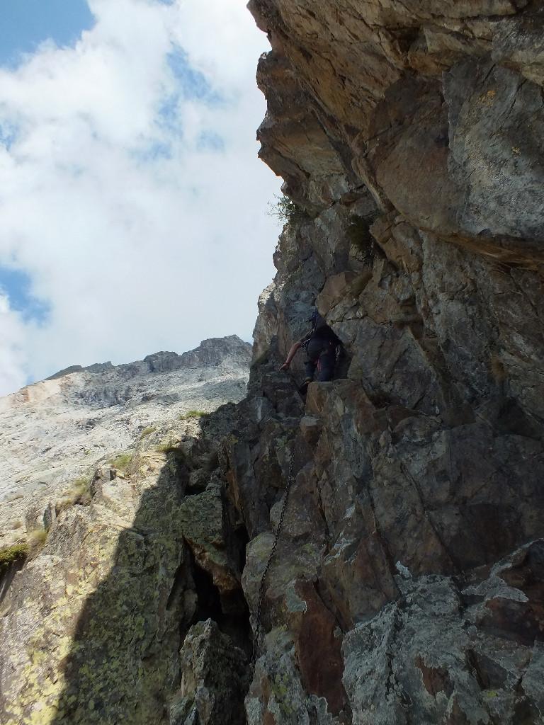 Via ferrata d'accès au refuge Borelli, c'est sympa mais nous avons du monde qui descend au dessus de nous ........