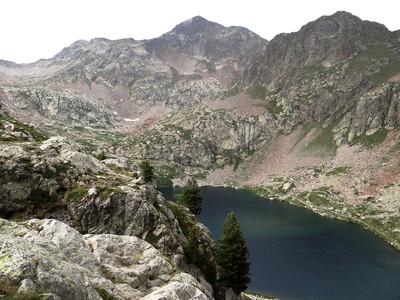 Lac de Valscura et la baisse de Druos (à gauche)