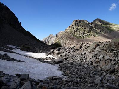 Le col et la cime de Chiapous versant SE