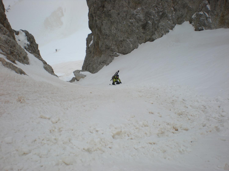In discesa dal P.sso delle Farangole verso la Val Grande durante la salita ai Bureloni.Traversata P.Valles-Val Venegia.