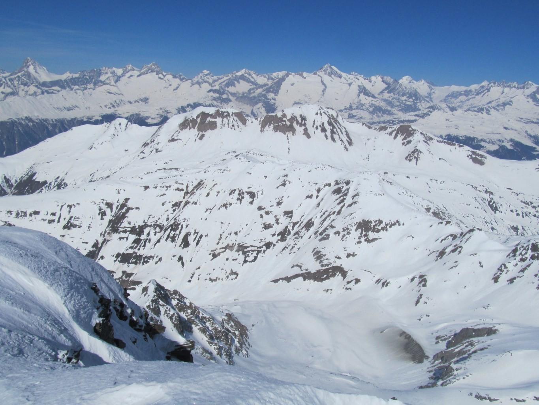 panorama verso le vette dell'Oberland Bernese