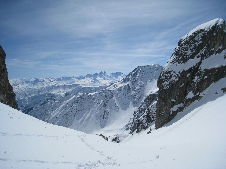 Aig d'Arves- vue prise depuis le petit col(2460m) -Selle du Puy gris