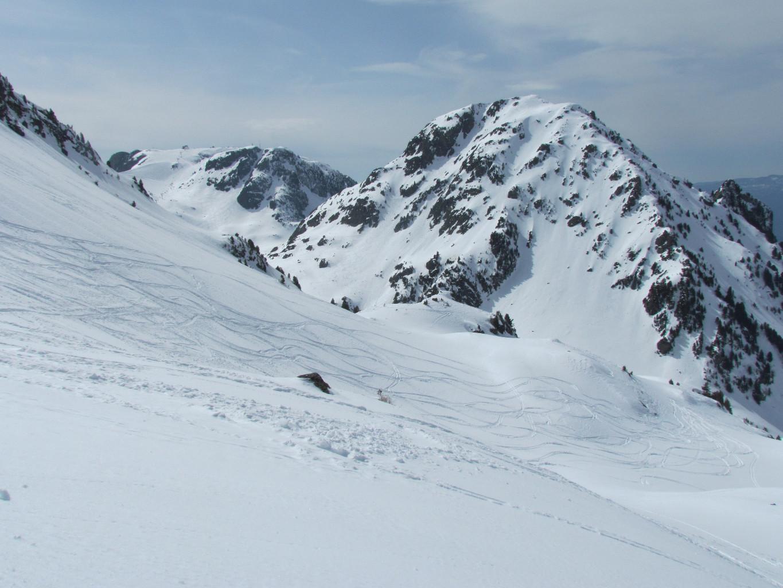 Grand Eulier ( versant E ) et loin loin loin, Croix de Chamrousse !