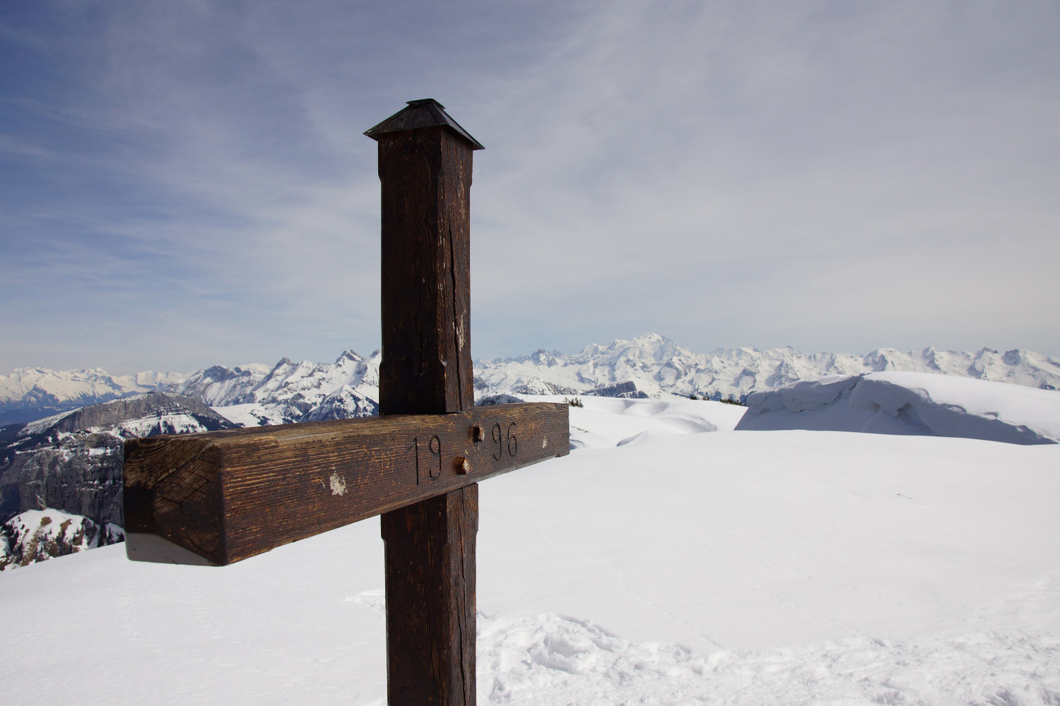 Cross at Sous-Dine, view on MT Blanc
