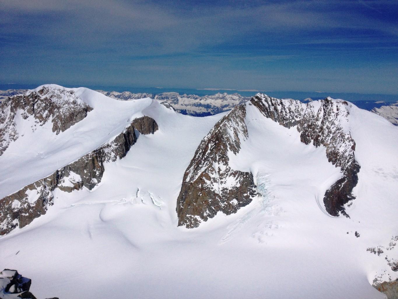Vue sur les Dômes de Miage le jour précédent du sommet de Tête Carrée