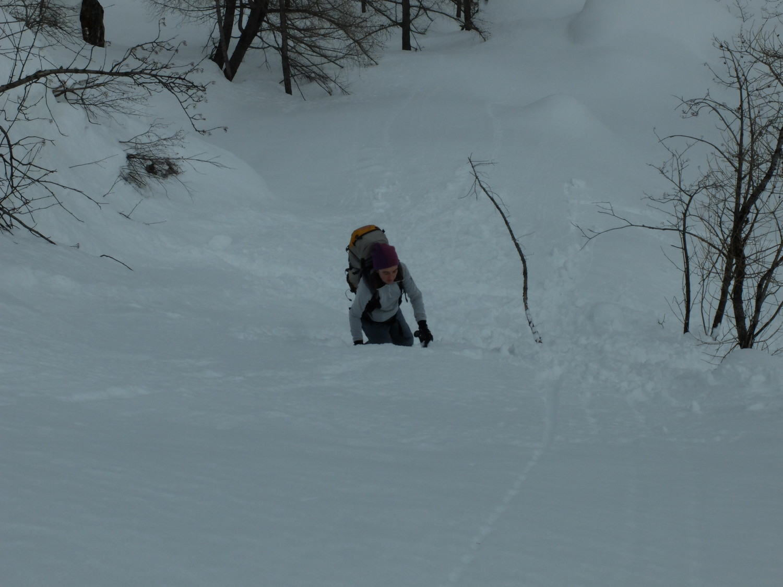 quanta neve: troppa per salire a piedi ma anche troppo ripido per gli sci