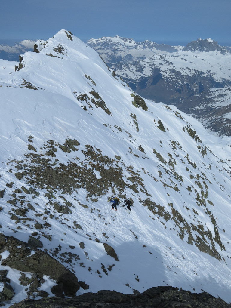 L'arrivée au col avant le sommet