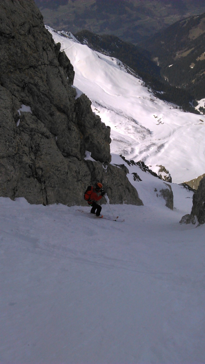 thomas in action dans le couloir