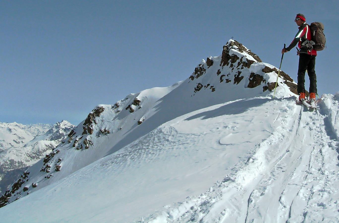 Piz Cancian; Gianluca ormai al ski depot...
