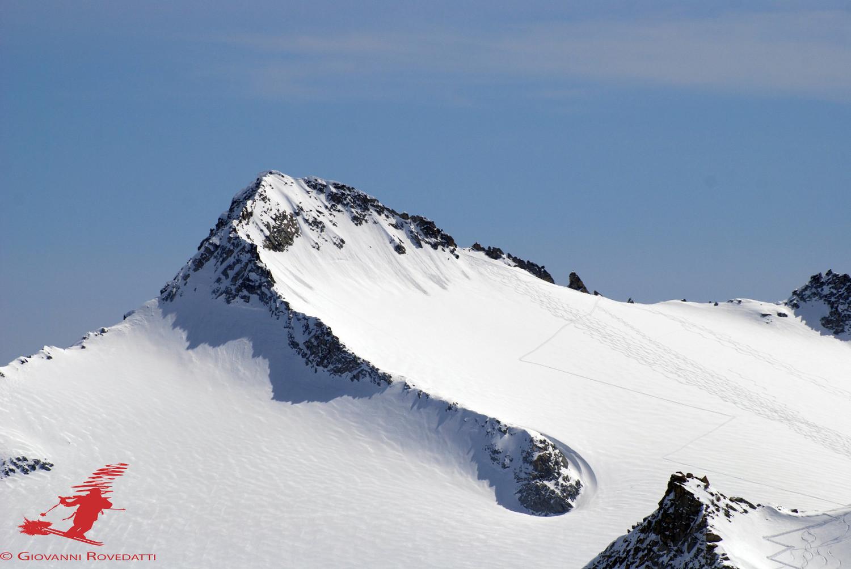 Il Crozzon di Lares 3354m  ripreso con il teleobiettivo dal Monte Venezia 3290m