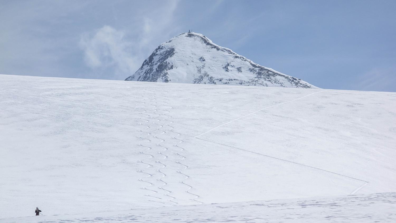 Glacier de Rochemelon, sommet en arrière plan