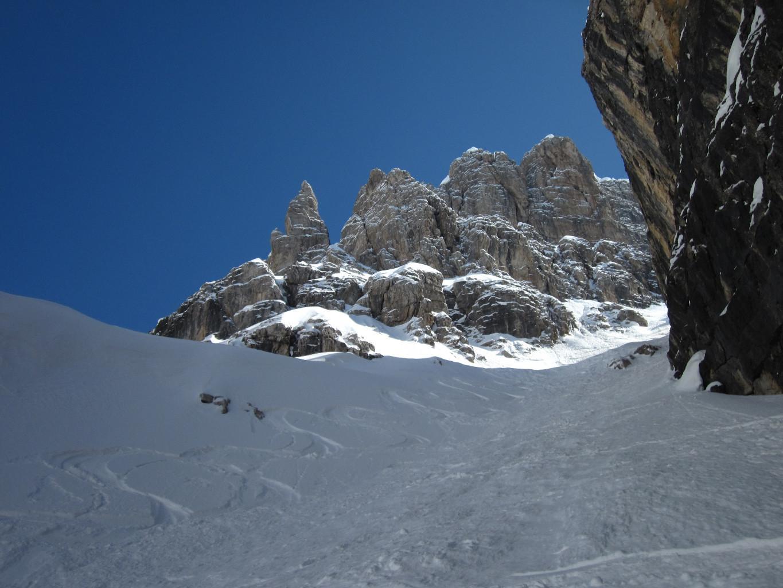 Parte bassa canale bocchetta Alta - bella neve