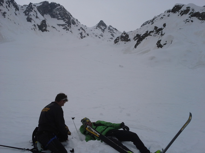 soccorso a Mattia rimasto incastrato nella neve