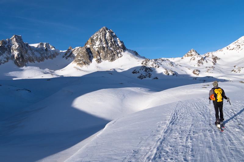 A gauche, le col du Thabor entre le Mont et le Pic. C'est beau et on est seuls
