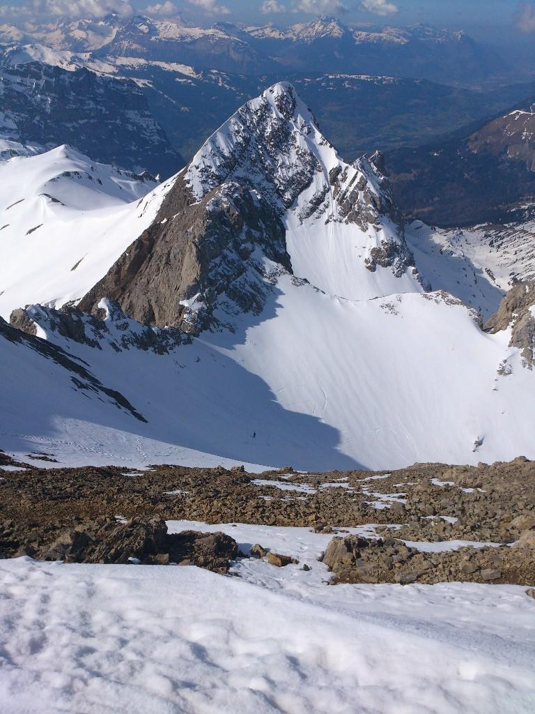 manque un peu de neige au sommet