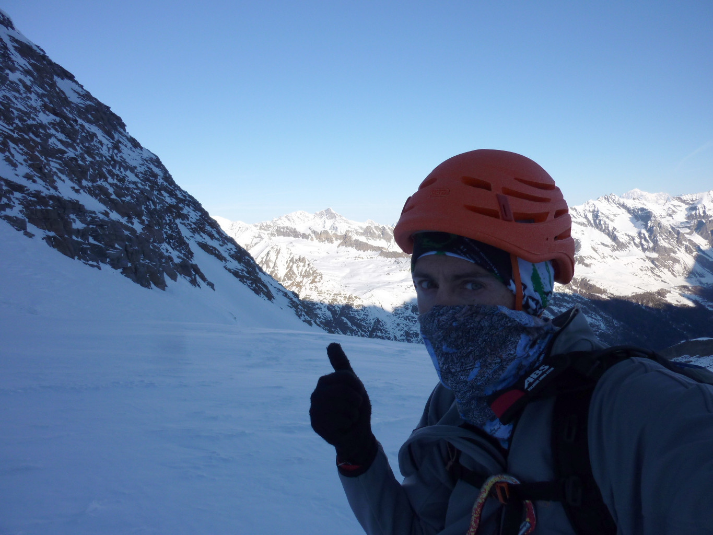 grosse caillante sur le glacier de Laveciau