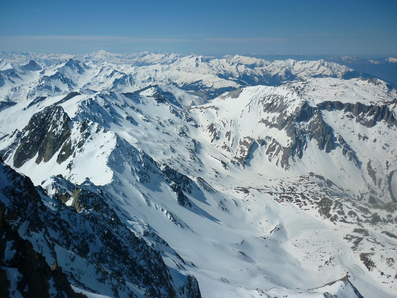 Enneigement sur le haut du domaine de la station de ski de randonnée des Contamines