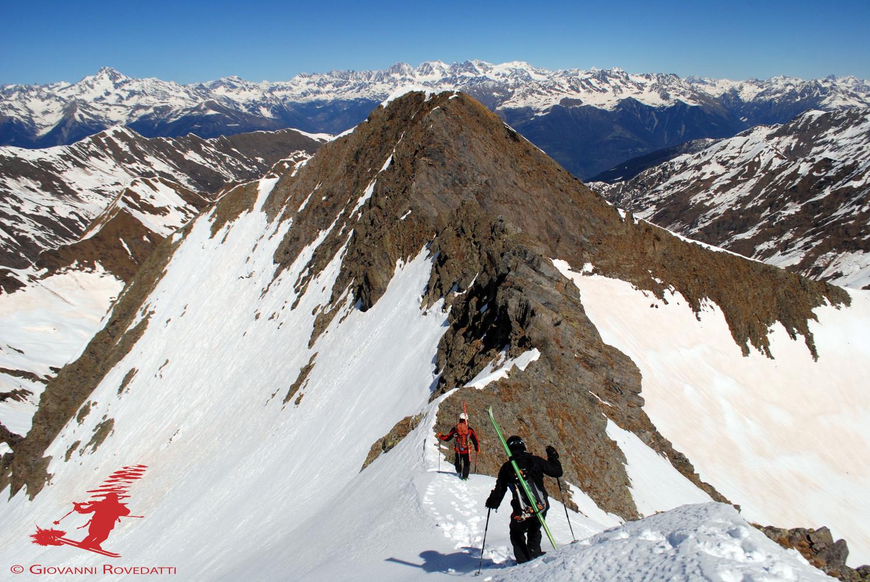 Scendendo dal Monte Aga 2720m, vista sull'anticima N 2717m