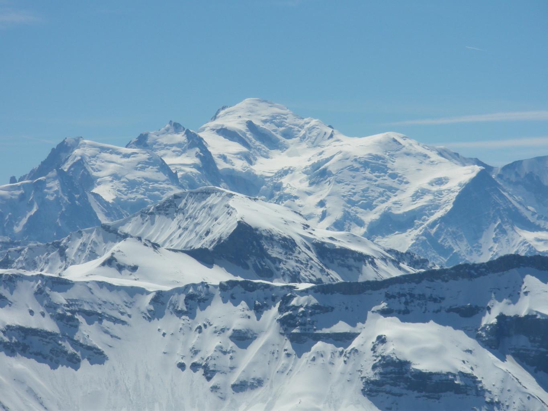 Mont Blanc des Dames devant le Mont Blanc.