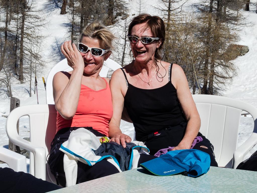 Les 2 nanas aus soleil... Anne et Christiane