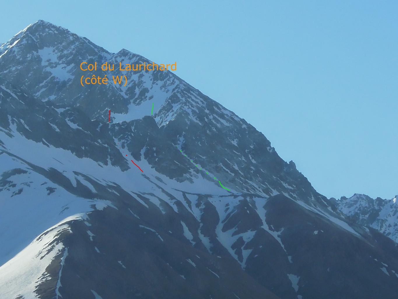 Au matin, une photo du col (en rouge, la goulotte; en vert le couloir plus large, masqué par des rochers)