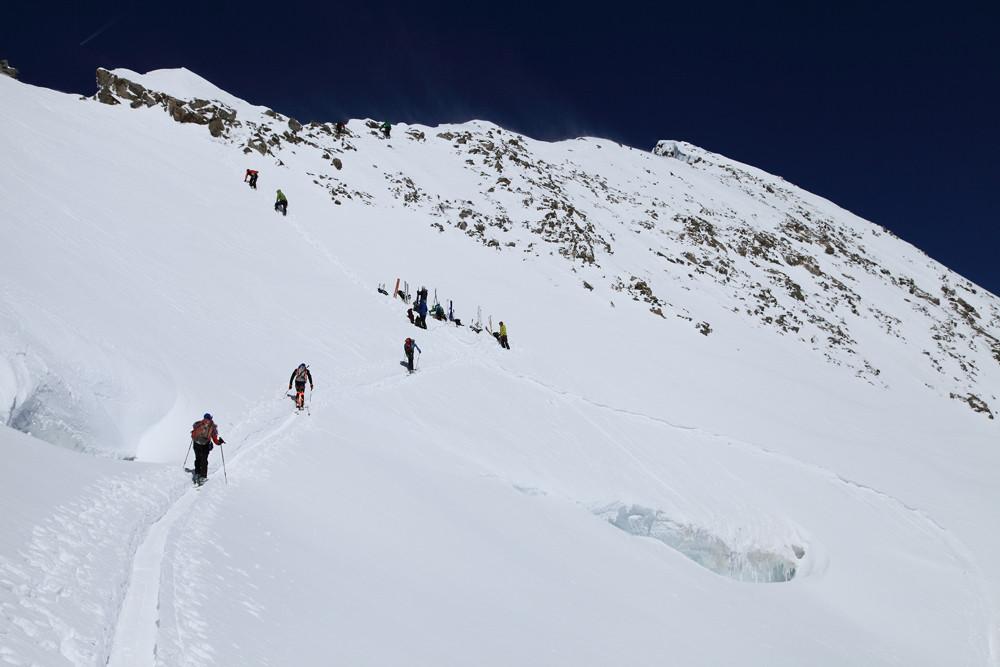 Deposito sci e cresta finale