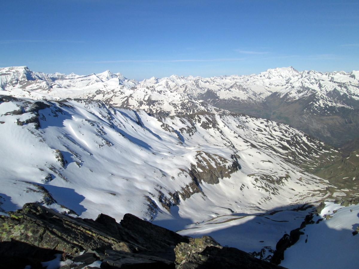Du sommet du Pic Lentilla vers Gavarnie