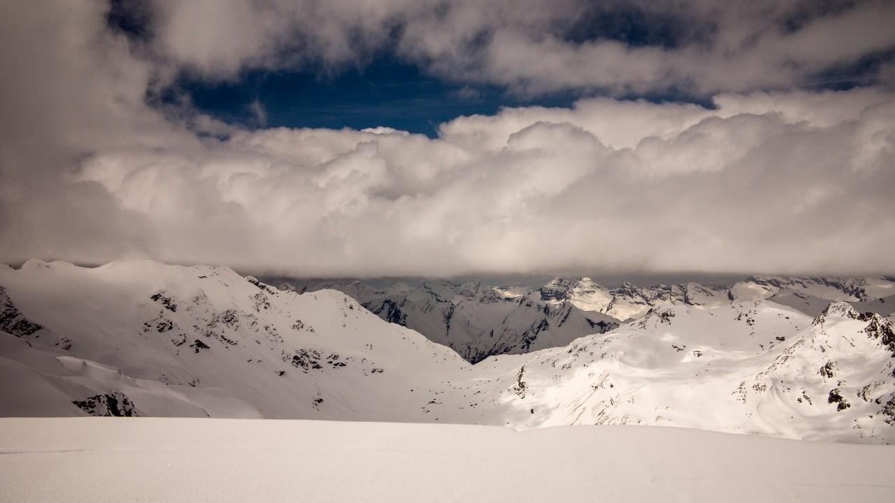 Nubi verso il S. Bernardino dalla Cima di Val Loga Settentrionale