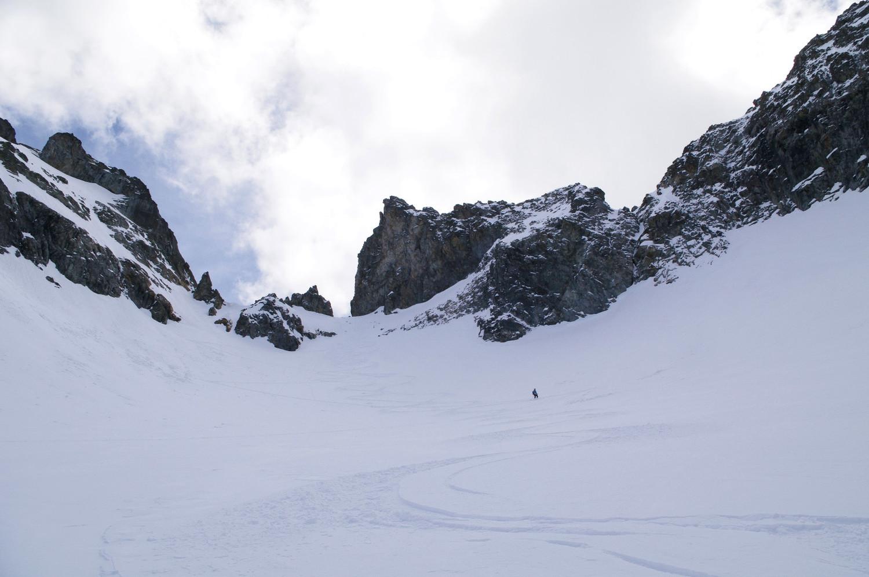 Descente de la brèche sur le glacier du Peigne