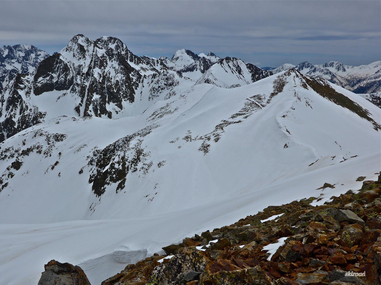 Majestueux Malinvern et à sa droite les 2 sommets gravis ce jour.