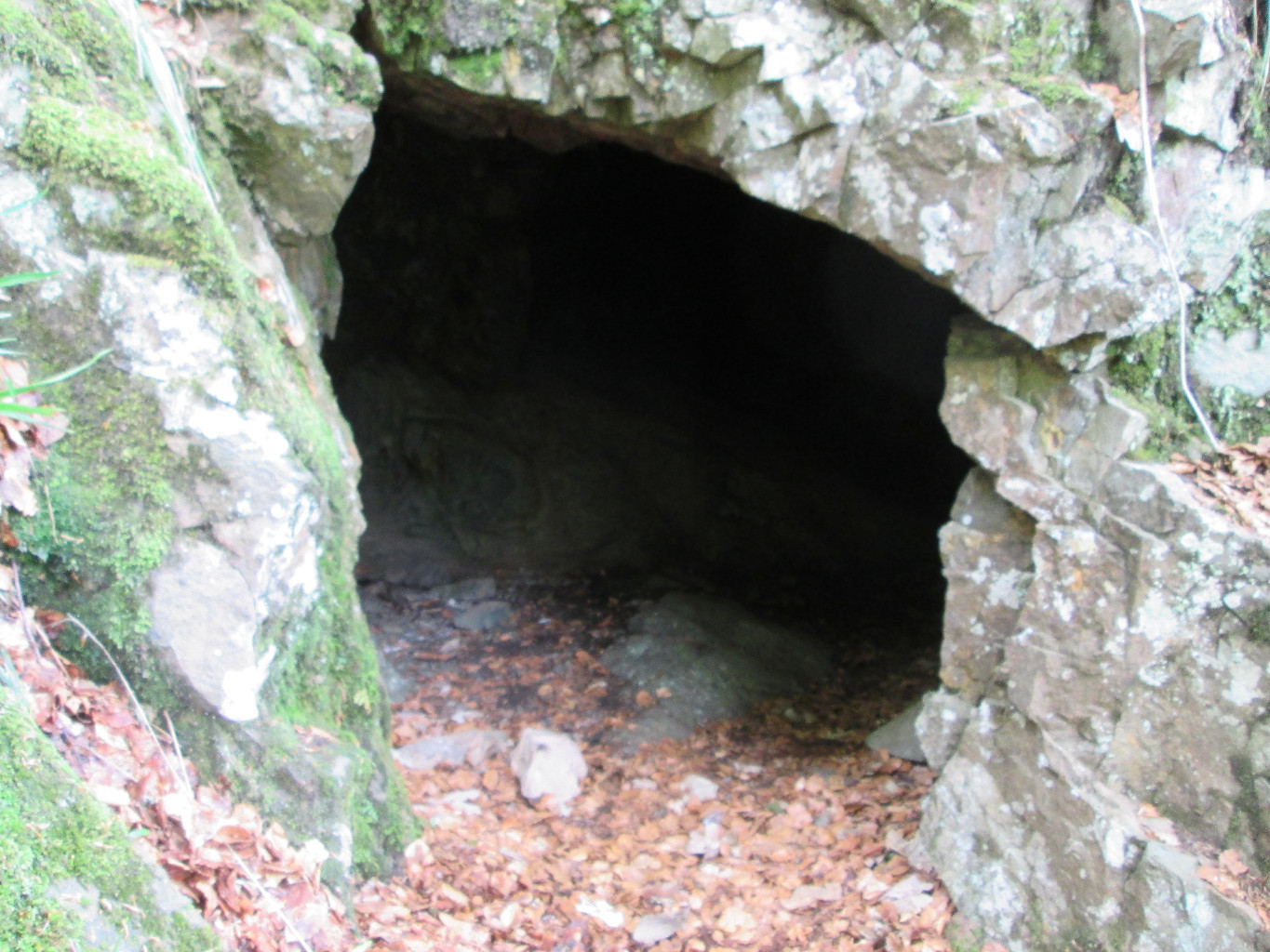 Entrée de la Grotte de la Cuisine du Diable...