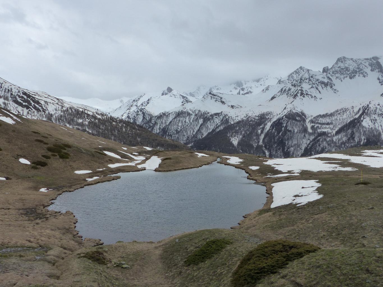 petit lac sous le col de bousson