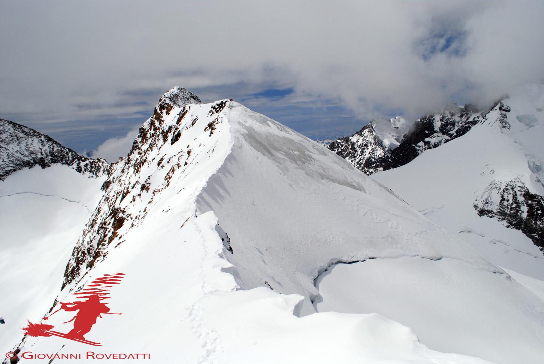 quota 3890m e la cima del Pizzo Bellavista 3922m