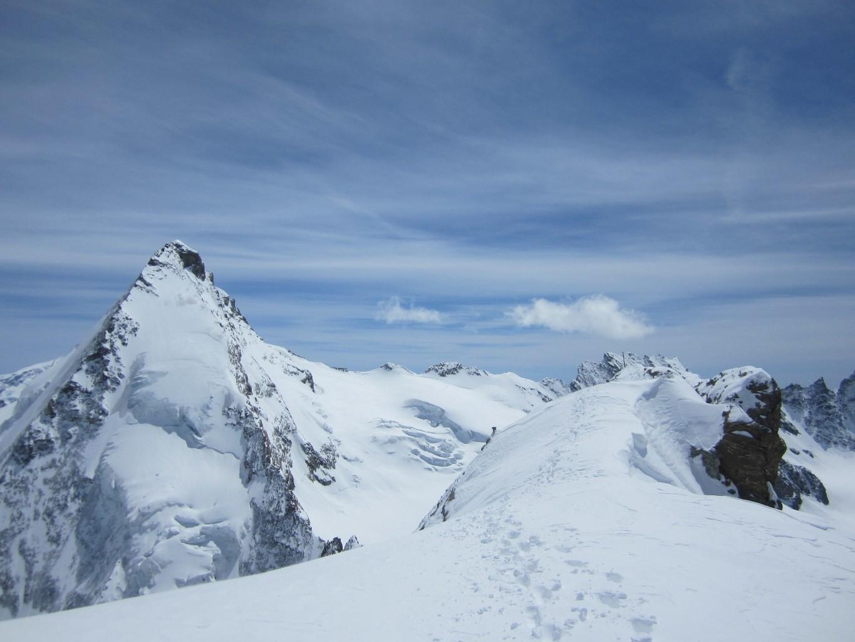 Quelques mètres à pied pour le sommet