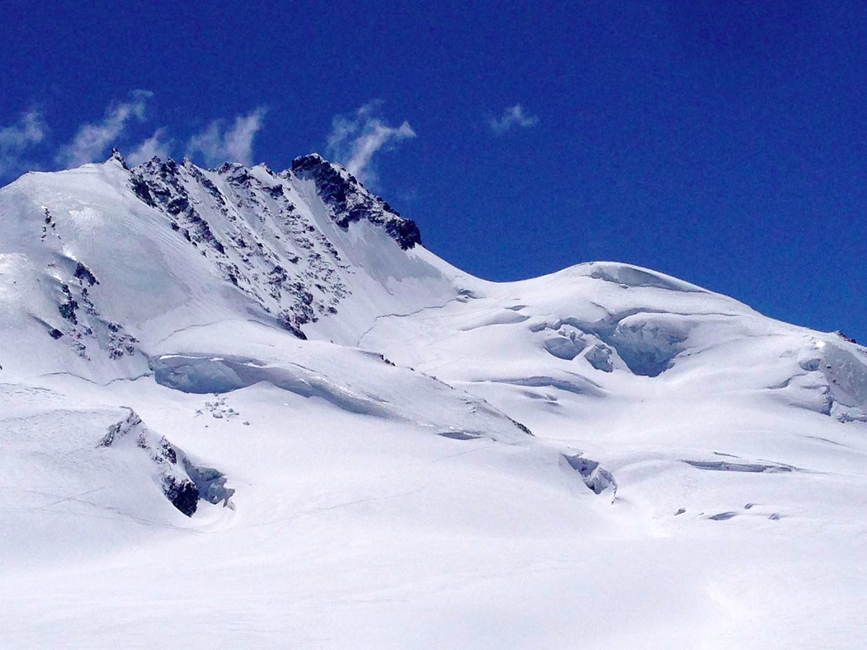 Le tracced i salita e discesa dal ghiacciaio che porta al Rimpfischhorn