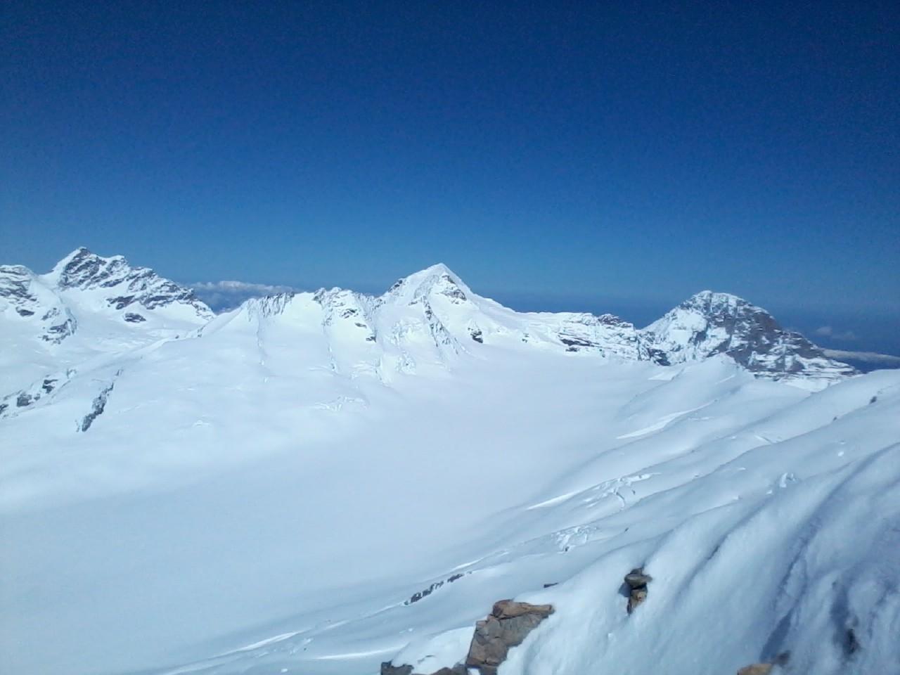 Tryptique local: Jungfrau, Monch et Eiger