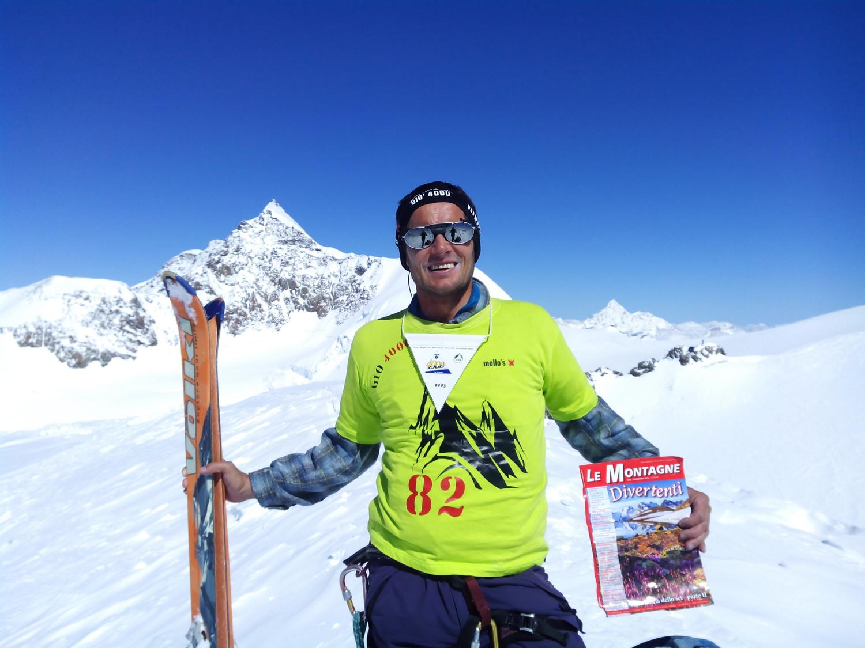 In cima al mio 82° e ultimo 4000 delle Alpi,  la Piramide Vincent 4215m, sullo sfondo il Liskamm Orientale 4527m