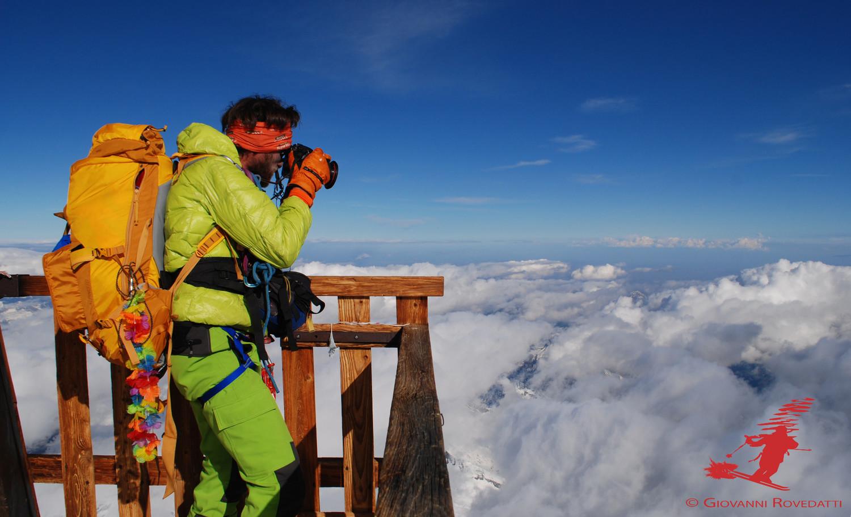 Giacomo immortale il panorama eccezionale dal balcone più alto d'Europa  a 4554m (Punta Gnifetti)