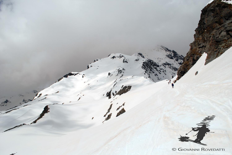 I bei pendii sciistici nella parte alta al Pizzo Tambò