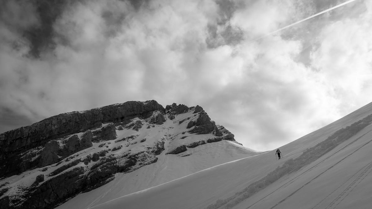 Couloir Sud Bellacha. Pour les amateurs de ski étriqué.