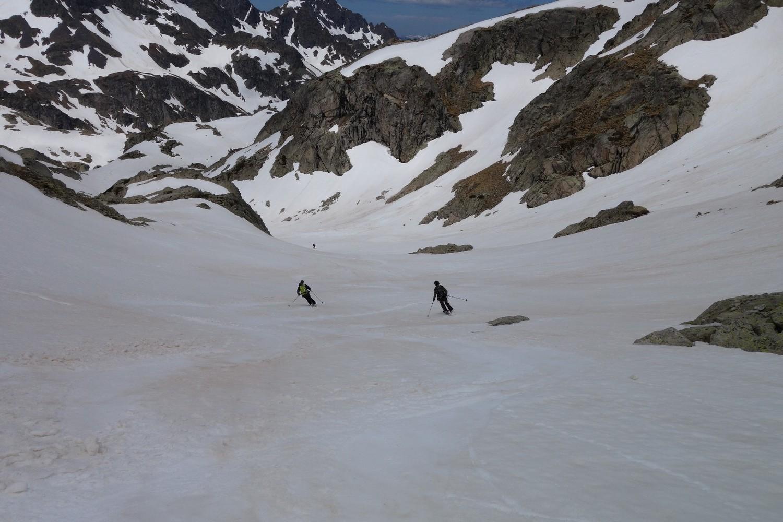Superbe neige, descente vers refuge Arrémoulit